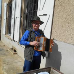 Un petit air accordéon à l'apéro , Merci Jean Louis