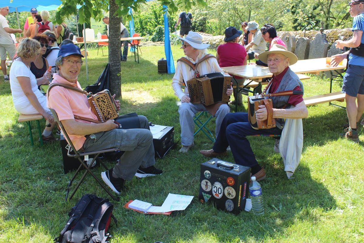 3 accordéonistes animent