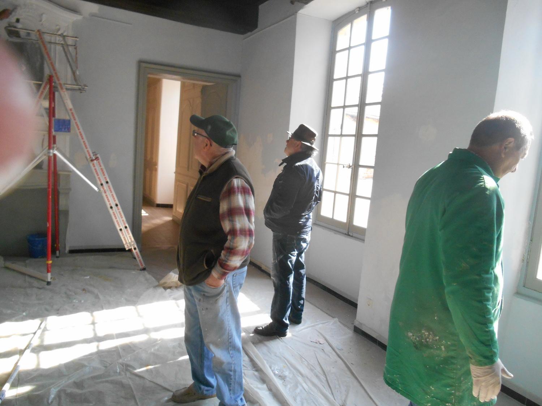 nous on regarde le chef peindre les fresques