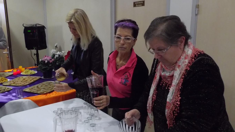 Françoise, Maryse et Emmanuelle au service
