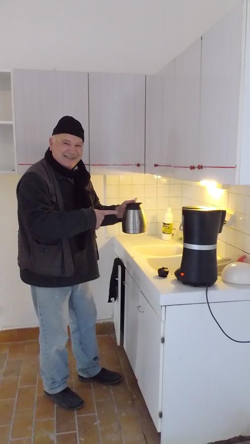 chacun son métier ici JMi nous prépare un bon café