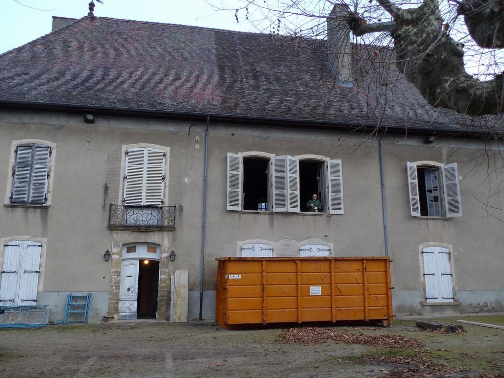 le chateau - porte et fenêtres ouvertes